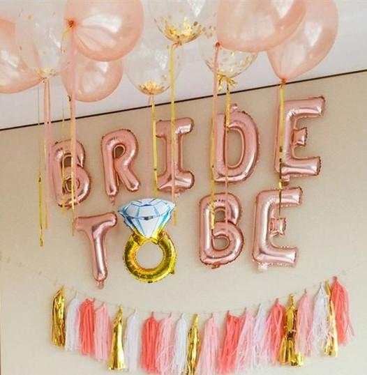 Банер с балони за моминско парти в розово злато с надпис Bride to be
